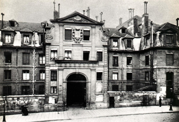 L'ancienne prison Saint Lazare  qui est aujourd'hui la Médiathèque  Françoise Sagan, 8 Rue Léon Schwartzenberg, 75010 Paris