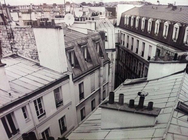 toit-Paris-fond-situer-hotel