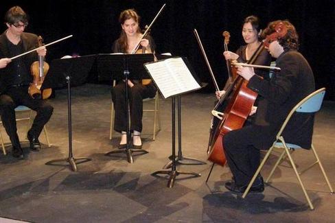 Beau-concert-pour-un-public-restreint_image_article_large